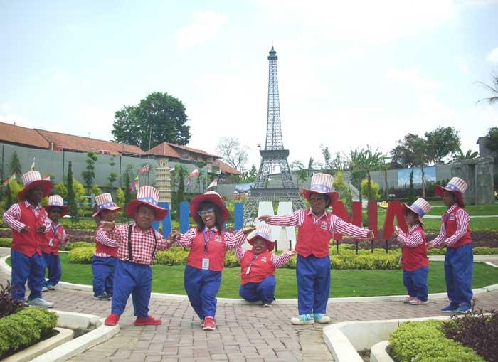 Wisata Edukasi Minimania Ada 35 Landmark Terkenal Dunia Dan
